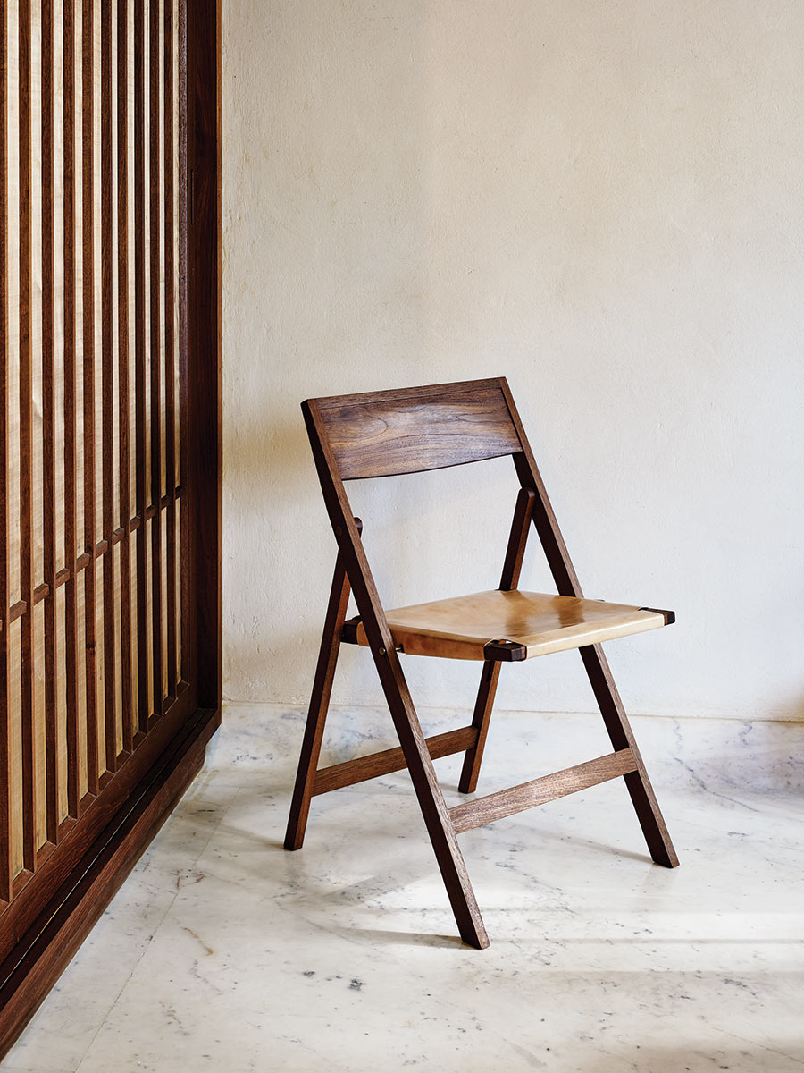 Folding Flat Chair, Teak and slng leather