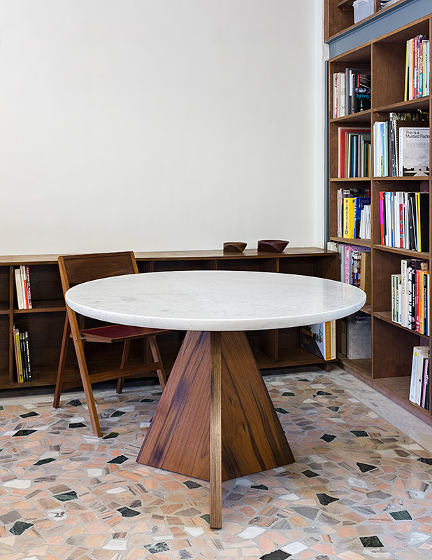 Right Triangle Table, White marble & teak