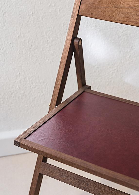 Folding Flat Chair | Teak & pressed leather